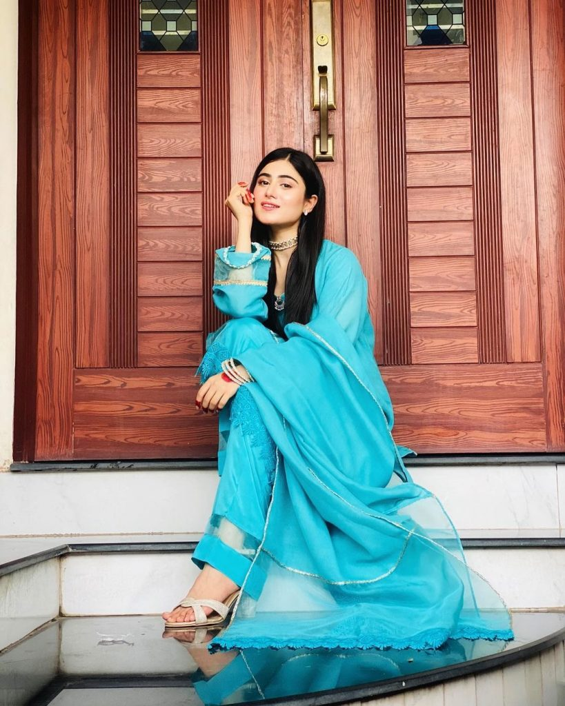 Latest Alluring Pictures Of Hina Afridi