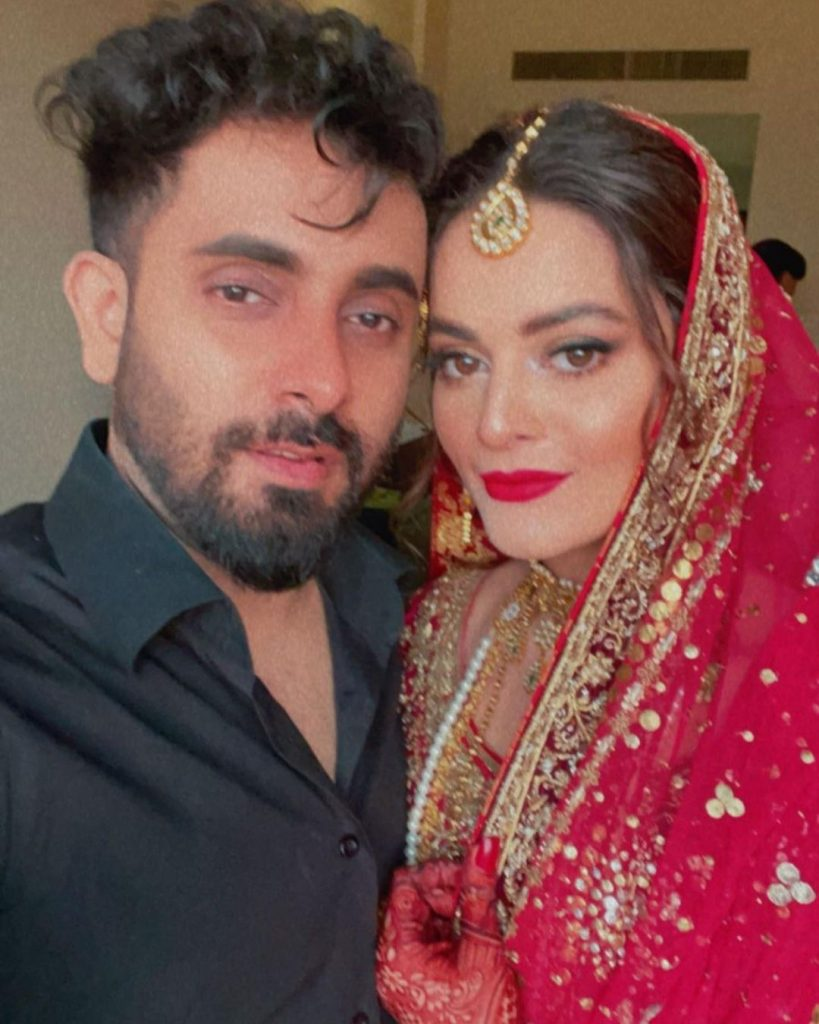 Public Criticism On Minal Khan's Picture With Her Make-up Artist