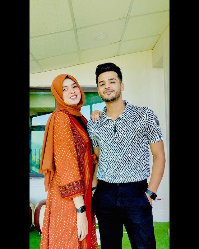 Kanwal And Zulqarnain Serving Major Couple Goals In Their New Snaps