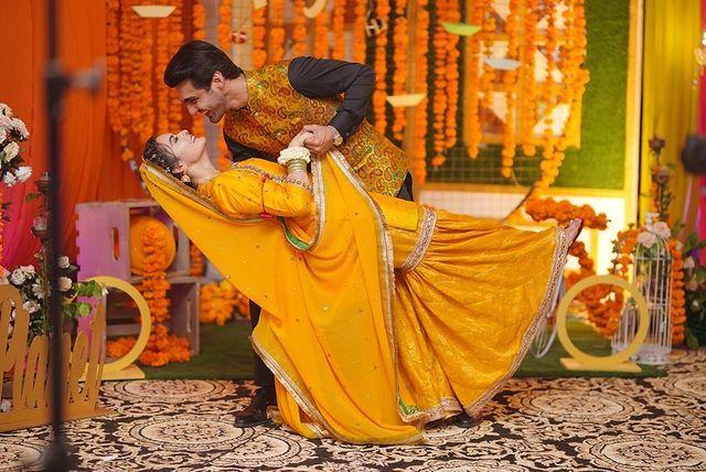 Ahsan Mohsin Ikram Kisses Minal Khan-Public Reaction