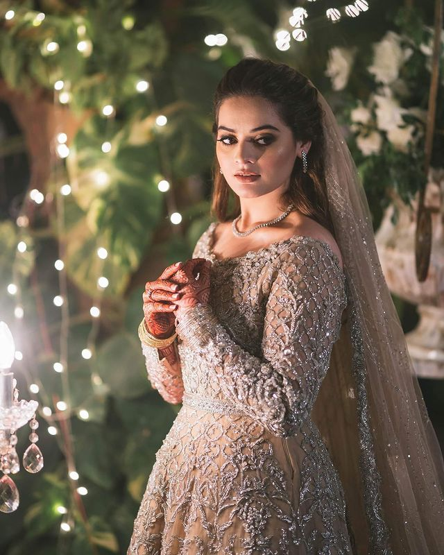 Minal Khan And Ahsan Mohsin's Beautiful Valima Portraits