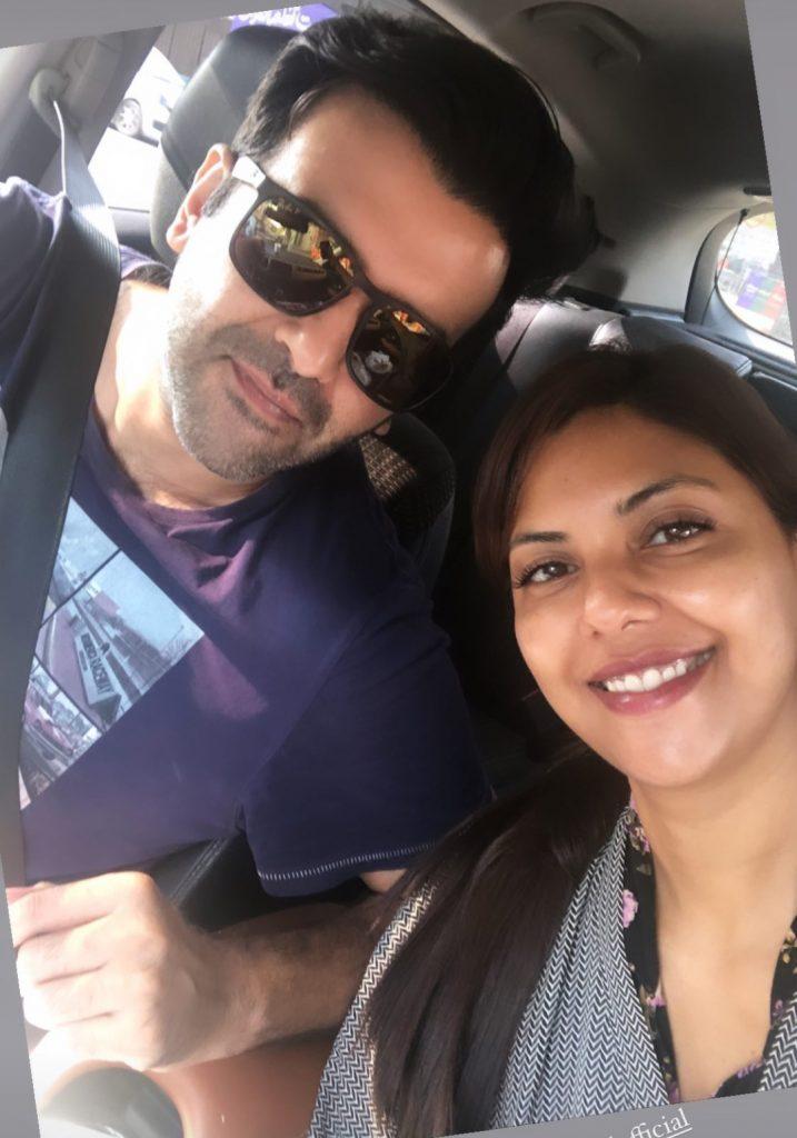 Sunita Marshall & Hassan Ahmed Spent Sunday On Beach