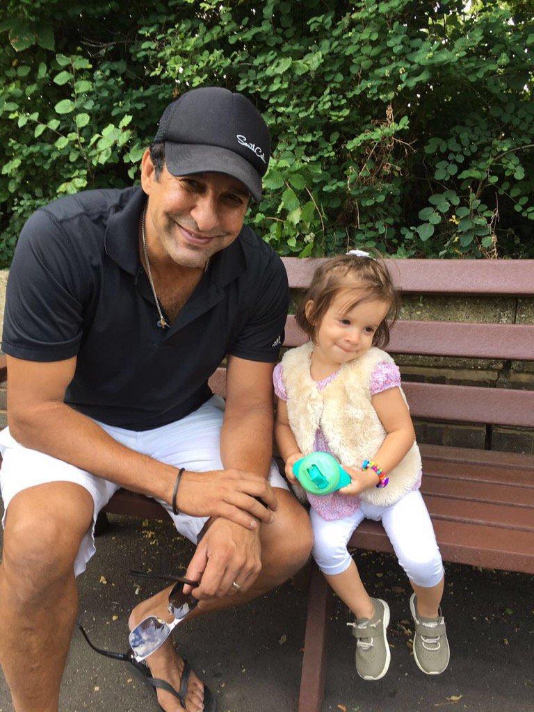 Wasim Akram Reunites With Daughter After Months