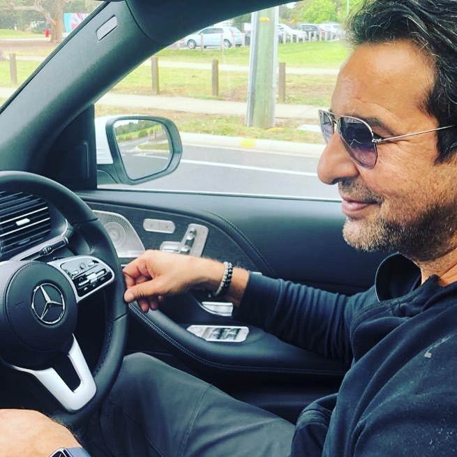 Wasim Akram Recent Pictures With Family