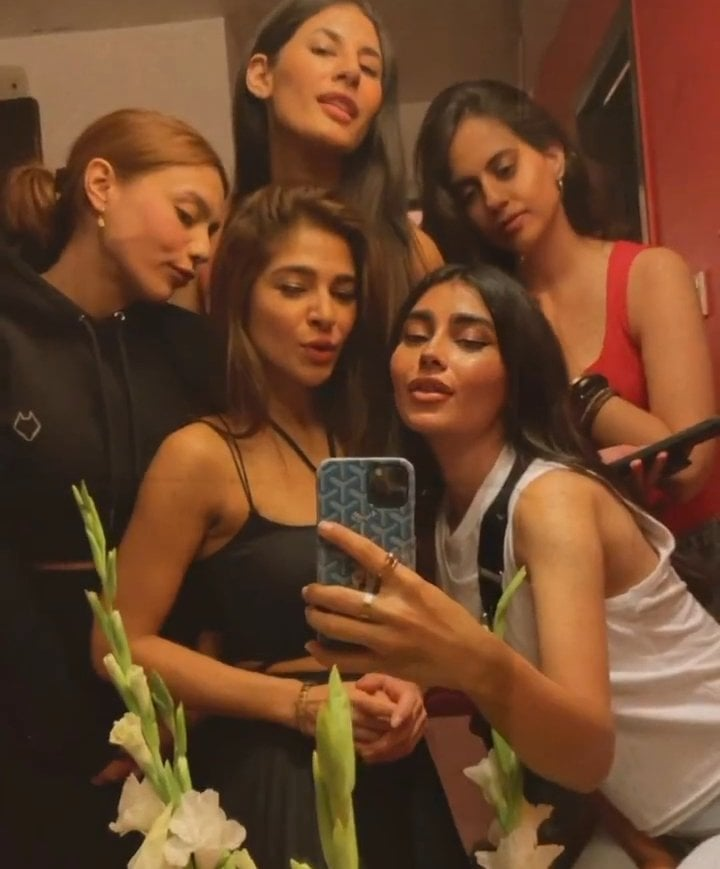 Ayesha Omar Celebrated Her Birthday With Close Friends