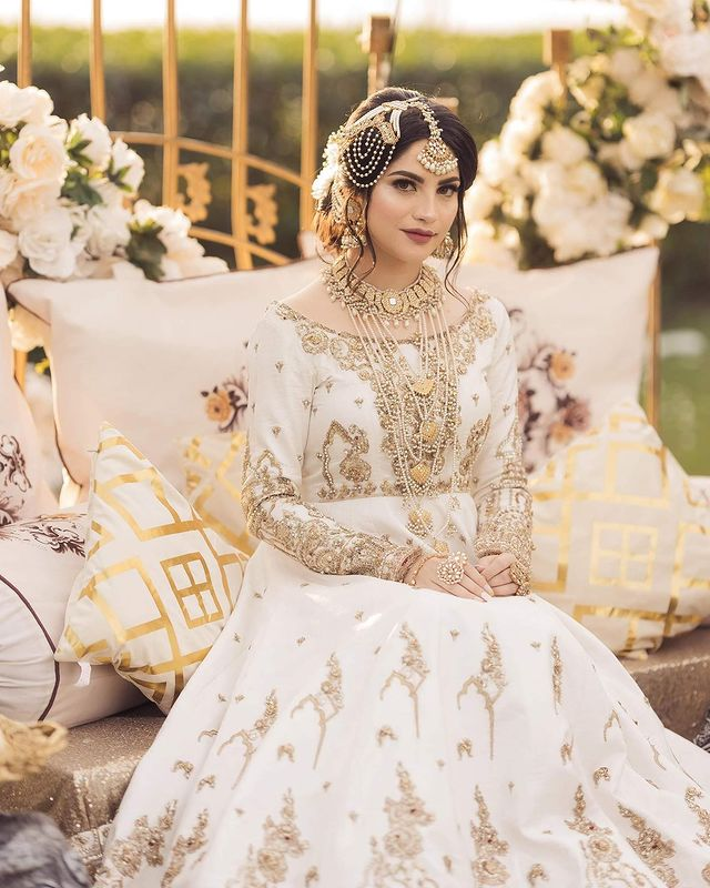 Neelam Muneer Is A Vision In Gorgeous Ivory Bridal Ensemble