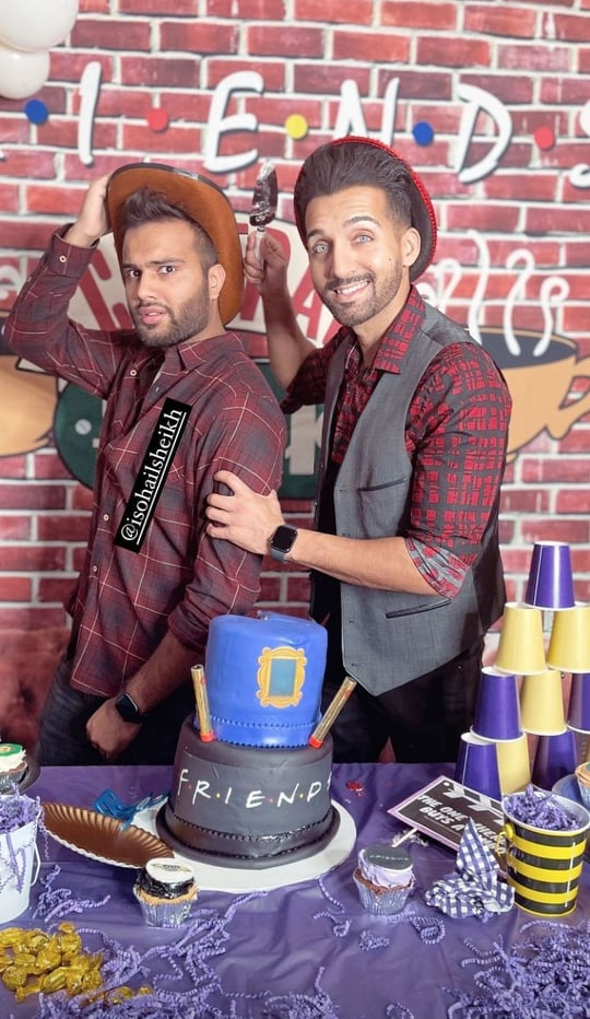 Inside Sham Idrees' Birthday Celebration With Friends And Family