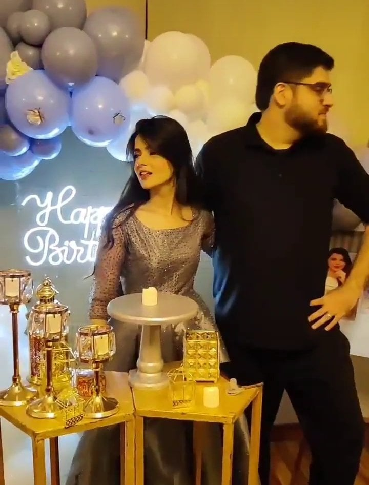 Srha Asgr Celebrated Her Birthday With Friends And Family
